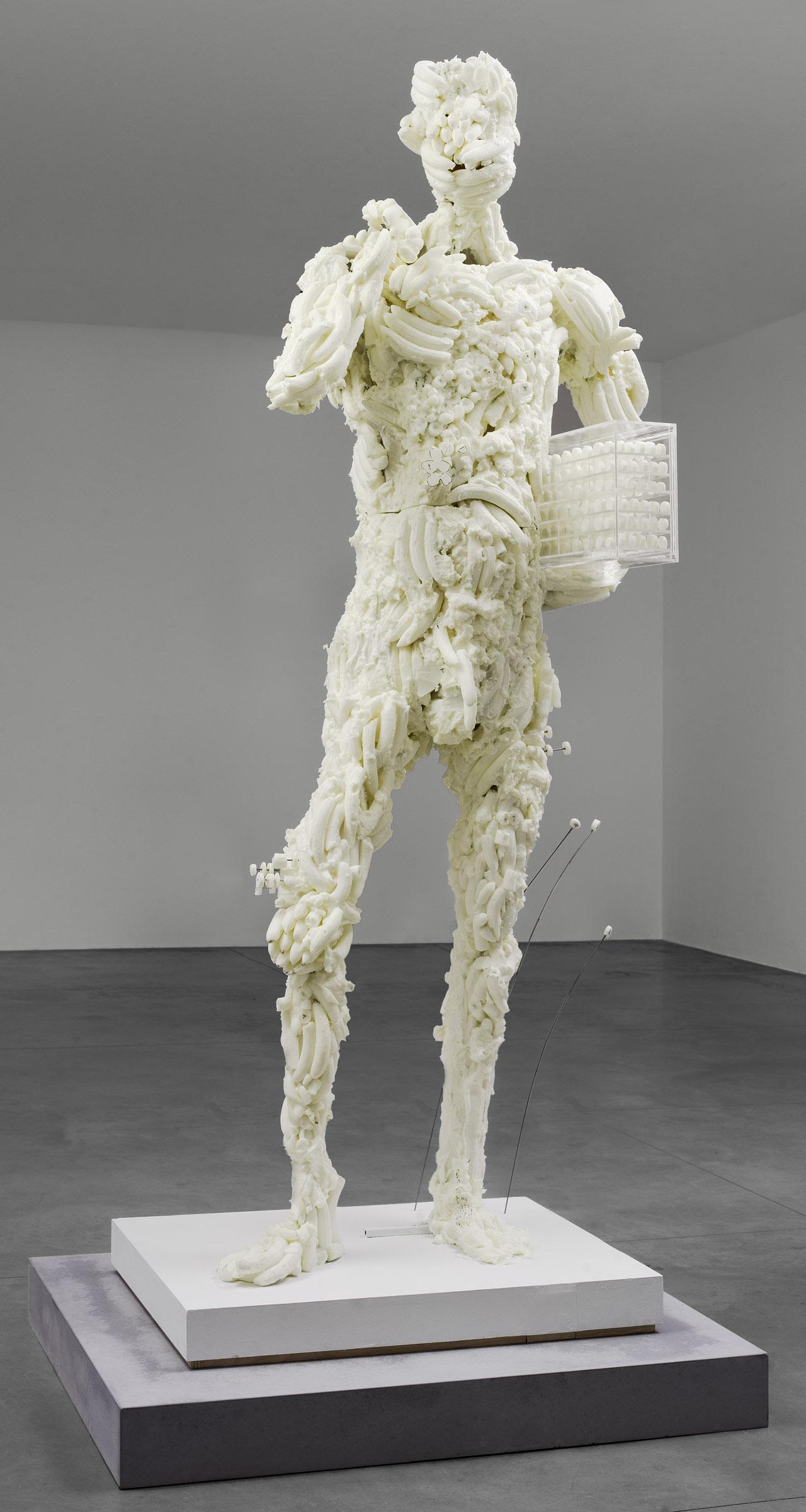 "David Altmejd, ""abcdefghijklmnopqrstuvwxyz"" (2013) (photo by Kurt Deruyter © David Altmejd, image courtesy of Andrea Rosen Gallery, New York)"