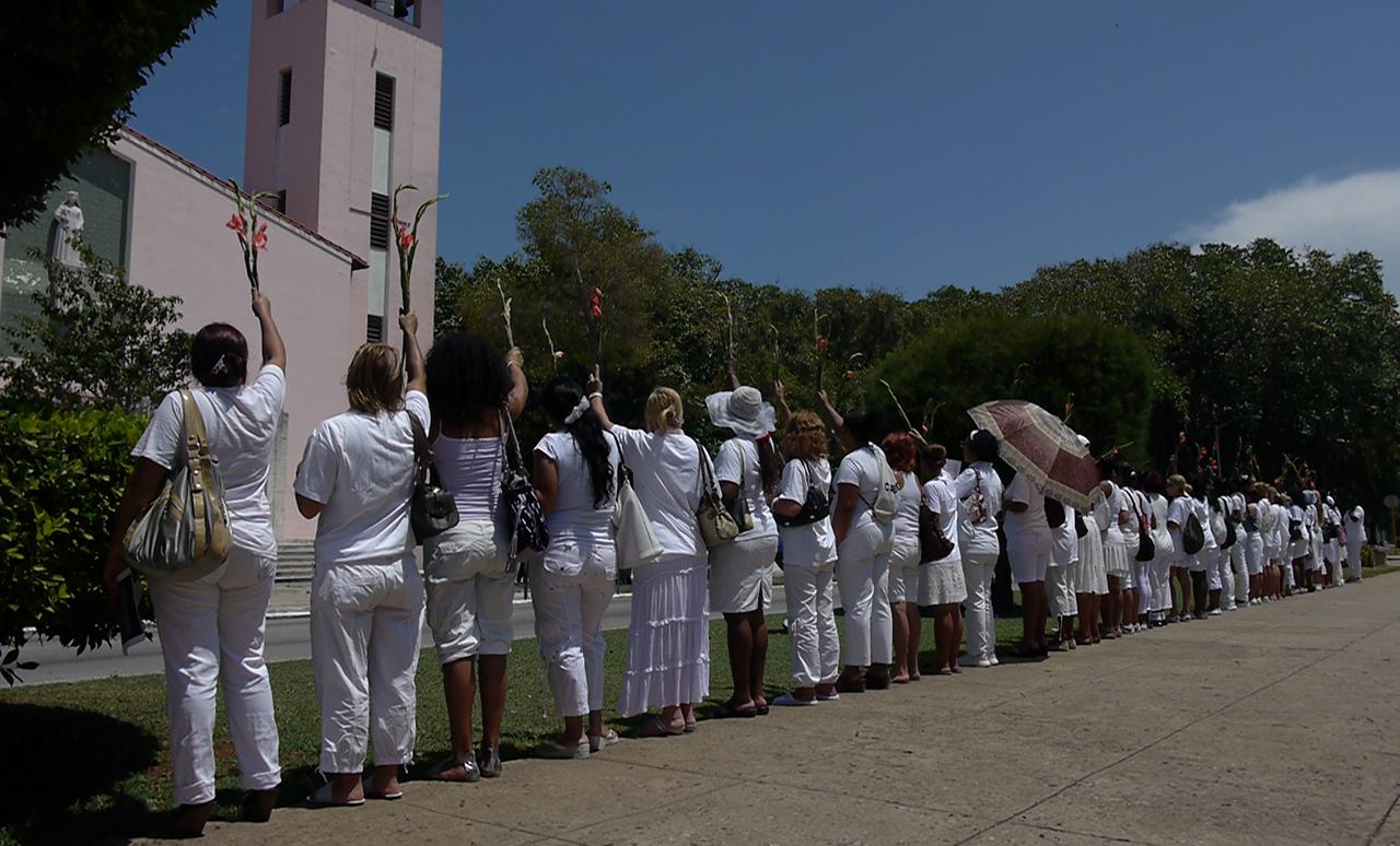 The Ladies in White in Havana in 2012 (photo by Wikipedia user Hvd69)