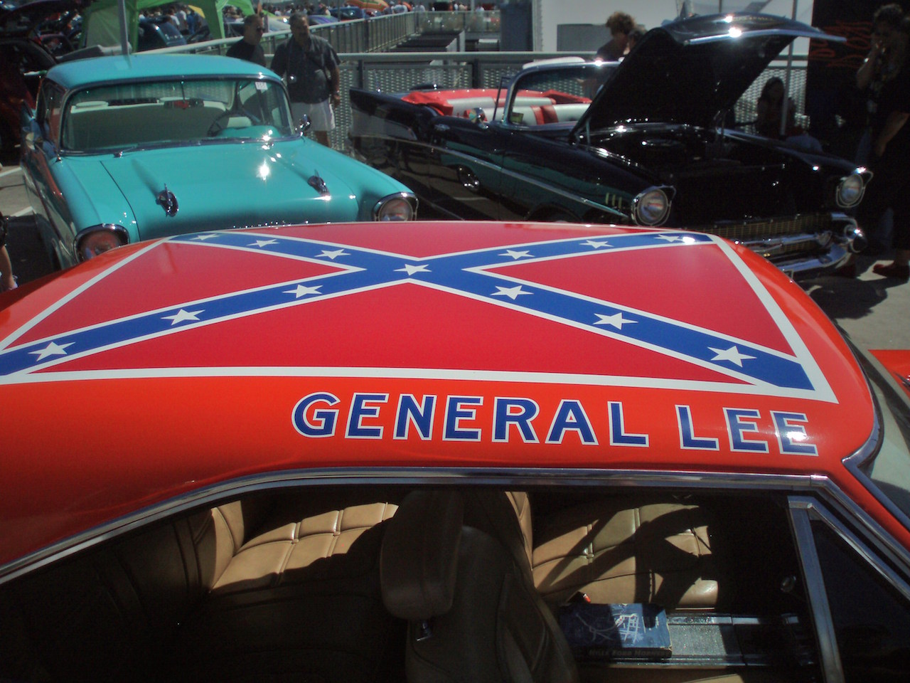 The Confederate Flag on the roof of the General Lee. (photo by sv1ambo, via Wikimedia Commons)