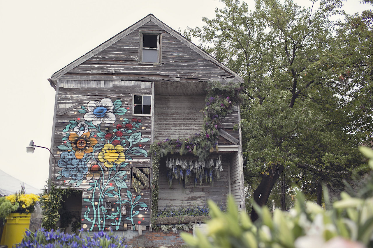 Flower House exterior (all images by Heather Saunders Photography)