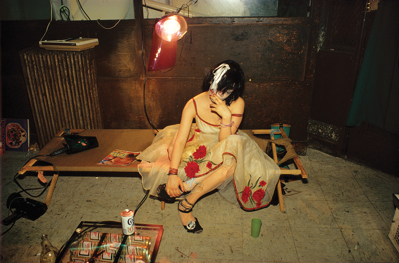 """Nan Goldin, """"Trixie on the cot, New York City 1979,"""" from 'The Ballad of Sexual Dependency' (Aperture 2012) (© Nan Goldin)"""