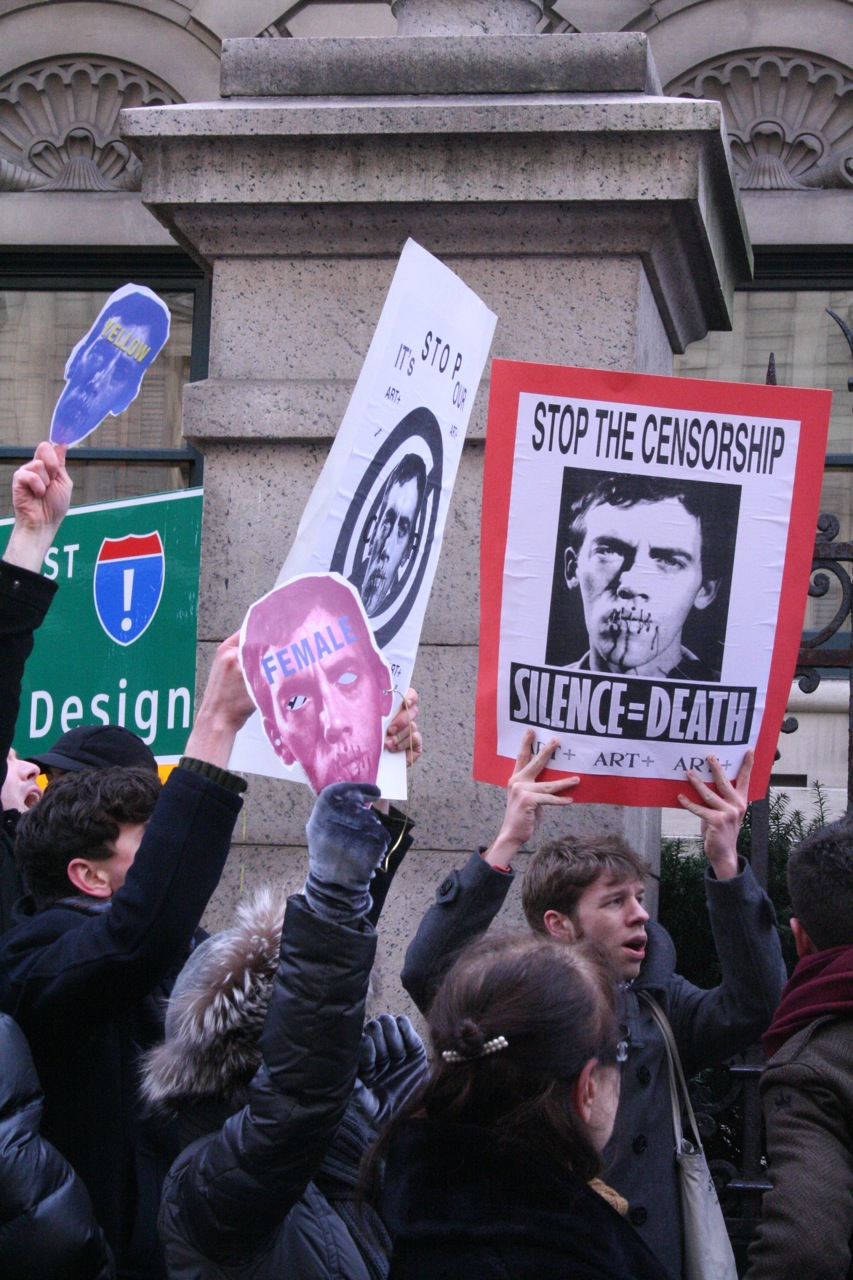 Stop the Censorship! demonstrations, December 2010 (photos by the author for Hyperallergic)