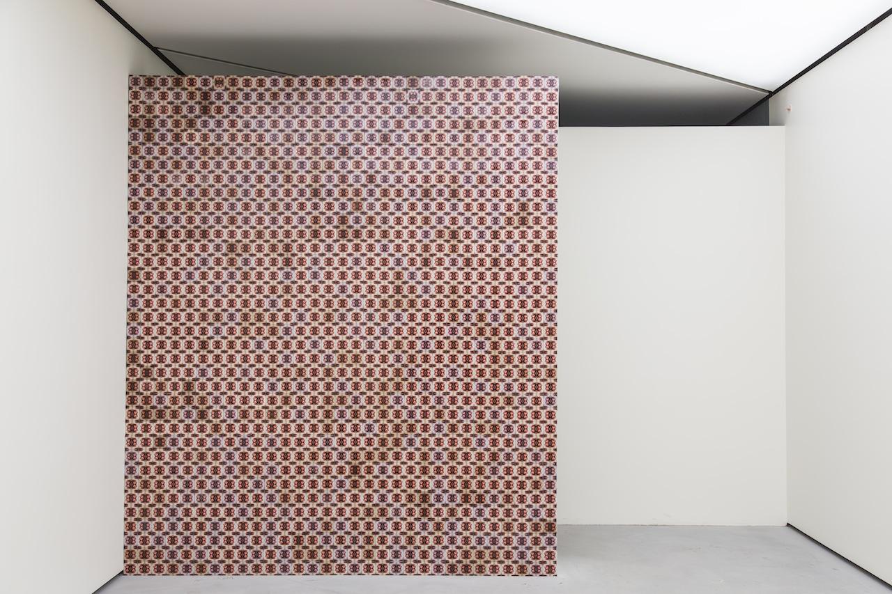 """Hasan Özgür Top isimli, """"A Gift from the Middle East"""" [Orta Doğu'dan Bir Hediye] (2013)"""