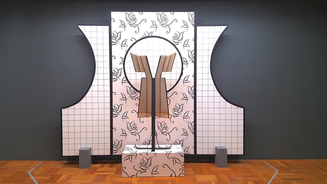 "Diane Simpson, ""Window Dressing: Background 4, Apron VI"" (2003/07), foam board, wood, enamel, wallpaper, marker, spunbond polyester, aluminum, and Mylar fabric (click to enlarge)"