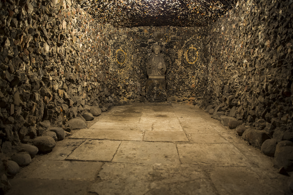 Pope's Grotto, King James Chamber