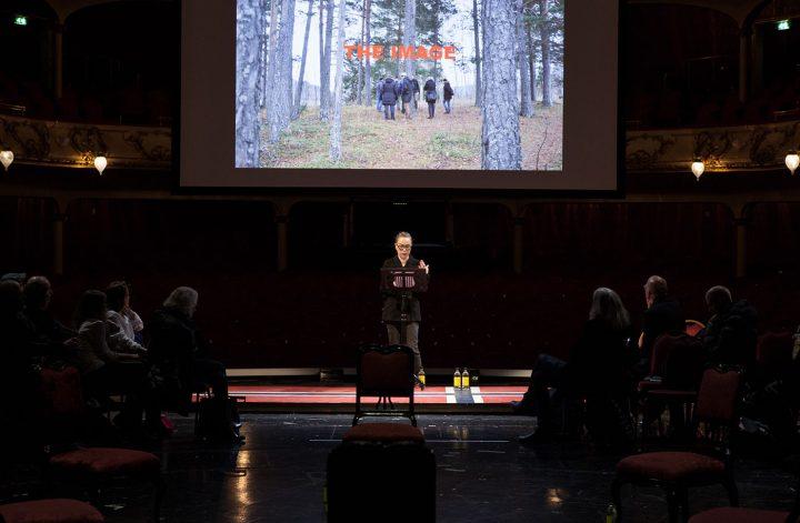 """Marianne Heier speaking at """"Public Calling"""" (photo by Ingvild Brekke Myklebust)"""
