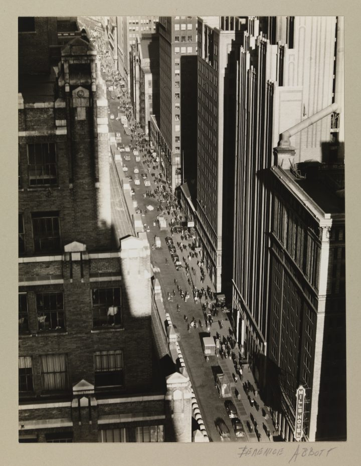 """Berenice Abbott, """"Seventh Avenue, looking north from 35th Street"""" (December 5, 1935), gelatin silver print (courtesy Museum of the City of New York, Museum Purchase with funds from the Mrs. Elon Hooker Acquisition Fund)"""