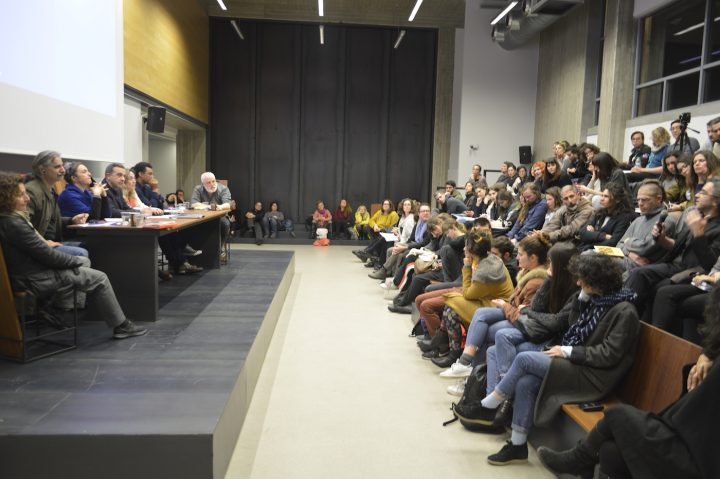 """""""Learning from Documenta"""" round table on March 9, 2017, """"The Politics of Art Making,"""" at the Athens School of Fine Arts; participants (from left to right): N. Pappa, P. Charalambous, N.G. Khan-Dossos, A. Lampropoulos, and E. Rikou (coordinators), R. Lowe, A. Omrani, T. Tramboulis (photo by George Sakkas)"""