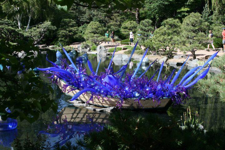 A Dale Chihuly sculpture at the Denver Botanic Garden (photo by Kari/Flickr)