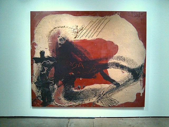 "Antoni Tapies, ""Fond Rouge"""
