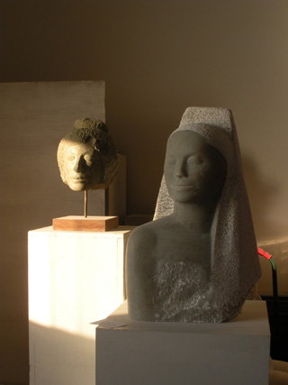 Sculpture by Isabel Borgata (click to enlarge)