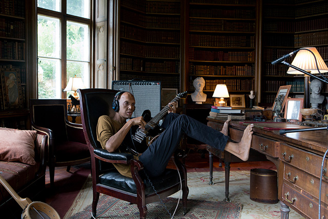 """Ragnar Kjartansson, film still, """"The Visitors"""" (2012)"""