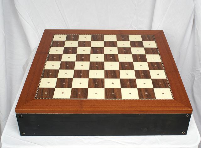 Replica of Lowell Cross's chessboard (Image via Rob Cruickshank / Flickr)
