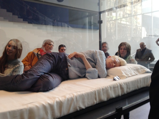 Tilda Swinton sleeping in MoMA (All Swinton photos via republicx.tumblr.com)