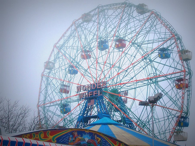 The Wonder Wheel at Coney Island (photograph by the author)