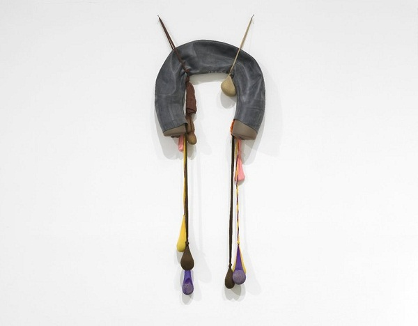 "Senga Nengudi, ""Inside/Outside"" (1977), nylon, mesh, rubber , approx.: 60 x 24 in. (152.4 x 61 cm), currently on view at the Brooklyn Museum (© Senga Nengudi, via blackartistnews.blogspot.com)"