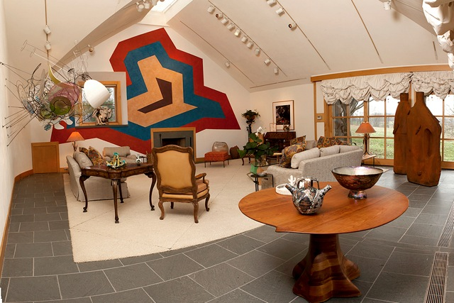 Sol LeWitt's Untitled Wall Drawing, 1993 of the Al Shands living room with works by Sol Lewitt, (photo by
