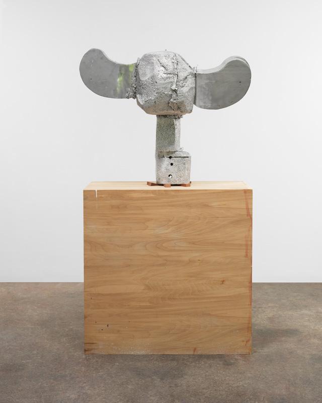 "Patrick Strzelec, ""Block Head"" (2013) (© Patrick Strzelec, courtesy Gary Snyder Gallery, New York)"