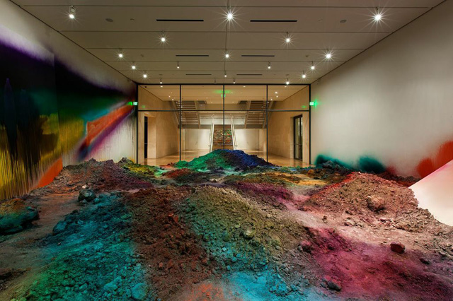 """Installation view, """"Katharina Grosse: WUNDERBLOCK"""" at the Nasher Sculpture Center (all photos courtesy the Nasher Sculpture Center)"""