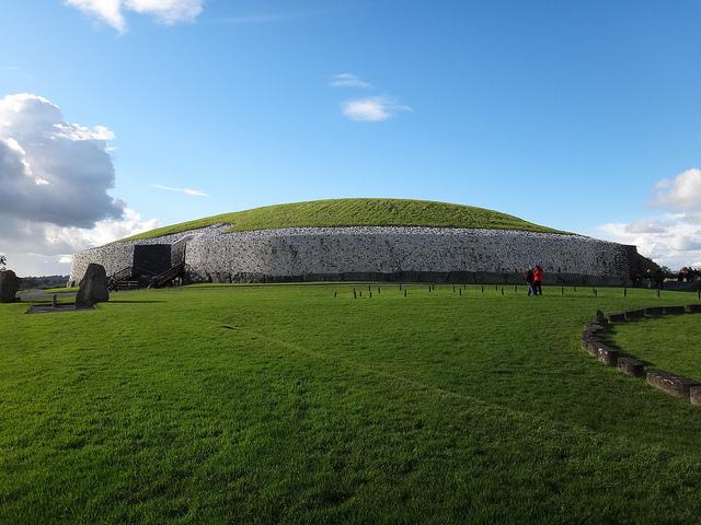 The prehistoric Newgrange monument in Ireland, one of the sky-light spaces that Dr. E.C. Krupp will discuss, built around 3200 B.C.E. (photo by Stefan Jürgensen, via Flickr)