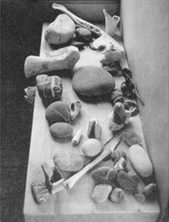 """Le Corbusier's """"Objects of Poetic Reaction"""" (photograph by Willy Rizzo, via Svbscription)"""
