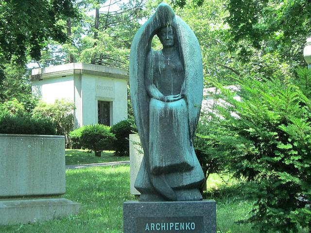 Grave of Alexander Archipenko