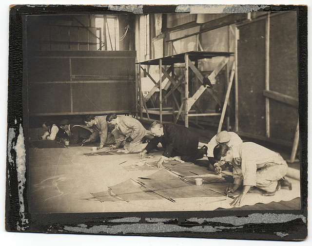 Francis Davis Millet (center) in his studio (ca. 1900) (via Smithsonian Institution)