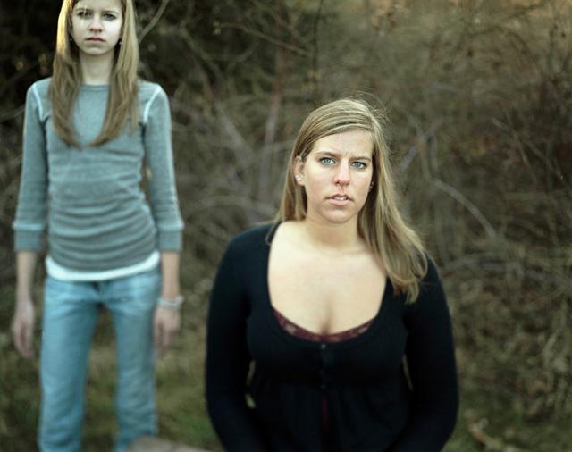 "Lydia Panas, ""Vink Sisters"" (2008) (via flakphoto.com)"