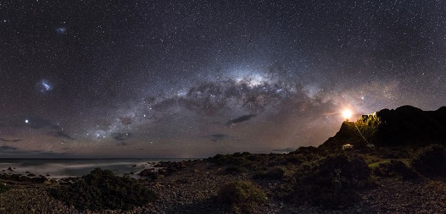 """Mark Gee, """"Guiding Light to the Stars,"""" the overall winner of the Astronomy Photographer of the Year (all images courtesy Royal Observatory Greenwich)"""