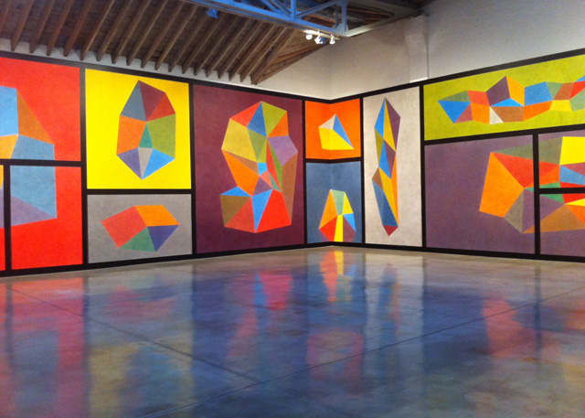 """Sol Lewitt, """"Wall Drawing #564: Complex forms with color ink washes superimposed"""" (1988). Installation view. (Photo by the author for Hyperallergic.)"""