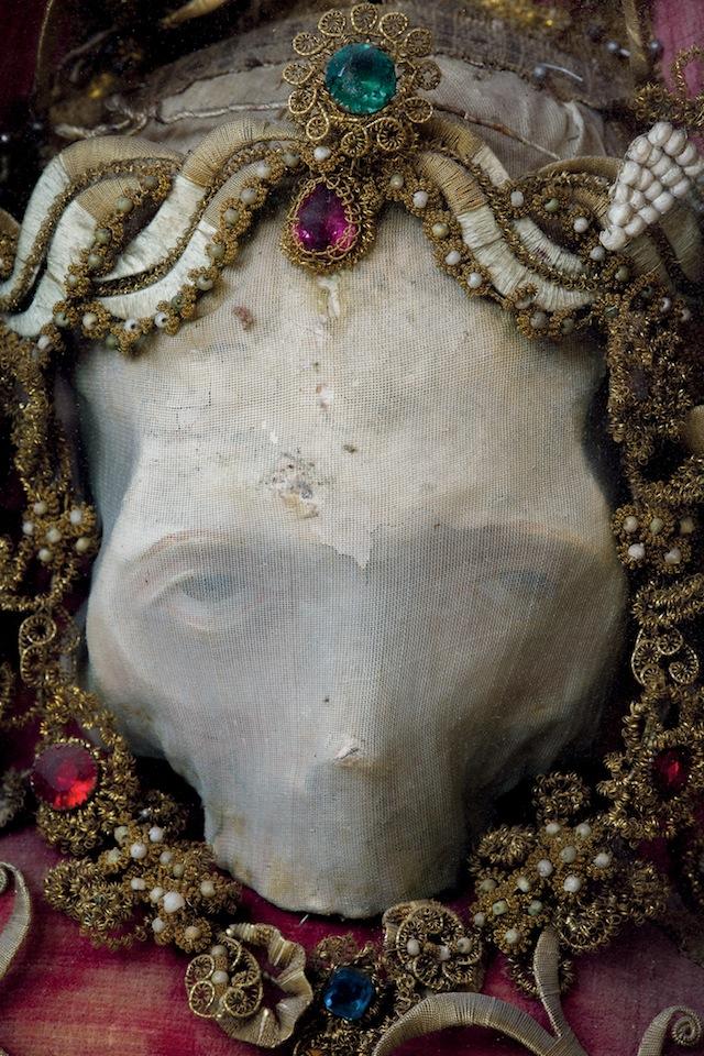 p.50 Deodatus skull relic_copyright  Paul Koudounaris