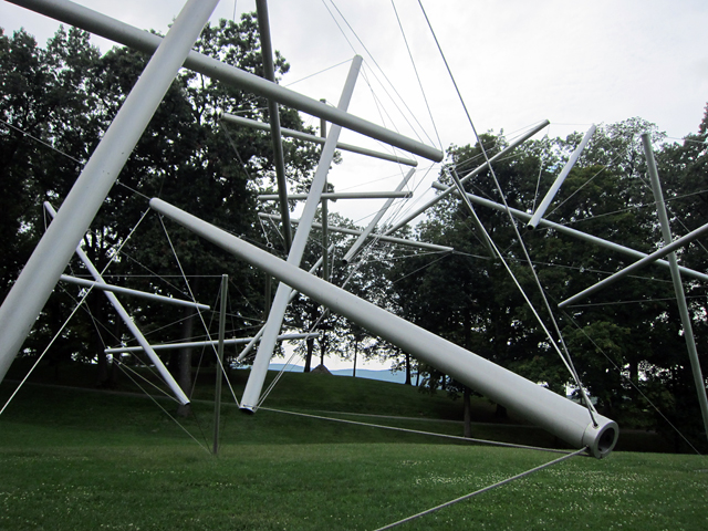 "Kenneth Snelson, ""Free Ride Home"" (1974)"