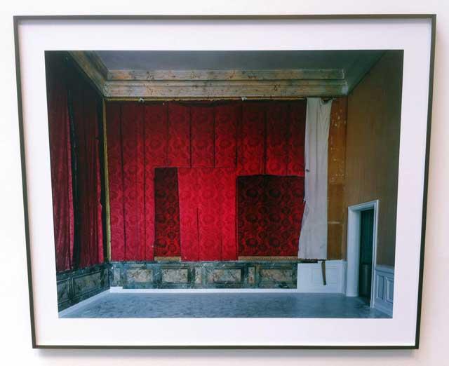 """Robert Polidori, """"Salle d'introduction aux galleries historiques. Aile du Nord. Versailles"""" (1985/2013), C-print, 50 x 60 in"""