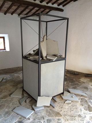 "Giulio Paolini's ""Paradigma"" (2002)"