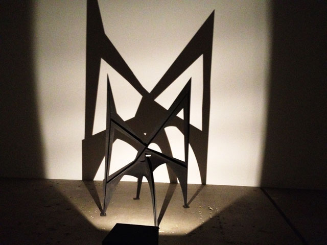 """Alexander Calder's """"Morning Cobweb"""" [intermediate maquette] (1967) with its shadow (all photos by the author for Hyperallergic)"""