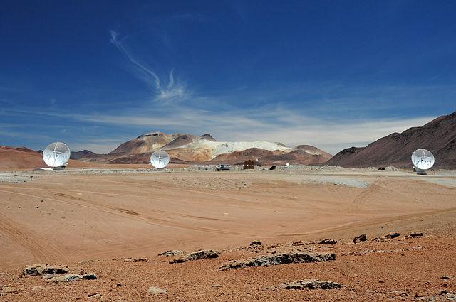 ALMA antennas in Chile (via ALMA (ESO/NAOJ/NRAO))
