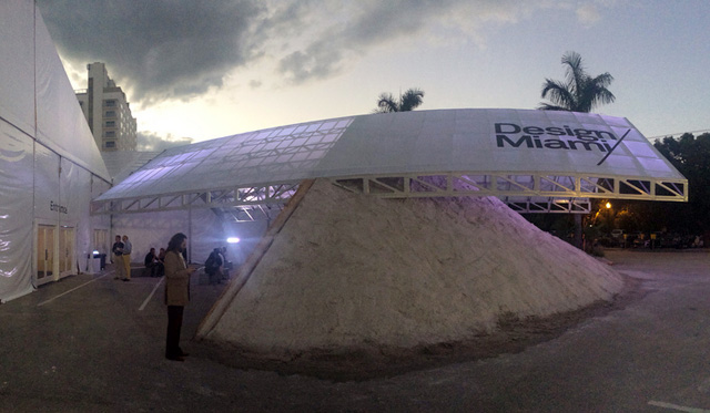 The entrance of Design Miami designed by Formlessfinder (all images by the author for Hyperallergic)