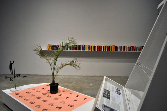 """Agnieszka Kurant: exformation,"" installation view at SculptureCenter (all photos by the author for Hyperallergic)"