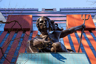 The Michael Graves-designed building in Portland facing demolition (photograph by Holly Hayes, via Flickr)