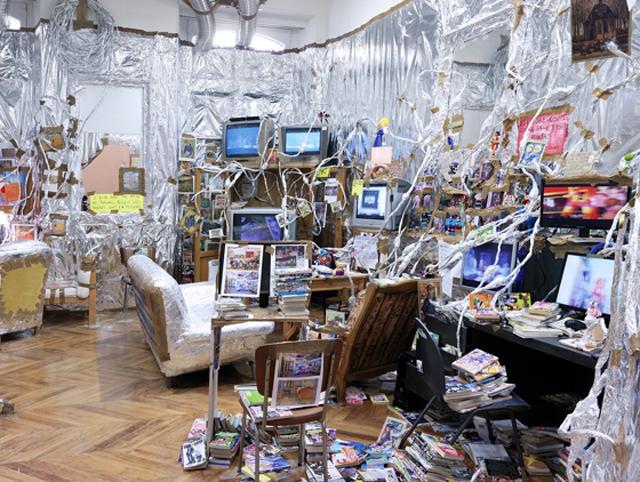 Thomas Hirschhorn, Indoor Van Gogh Altar, 2014
