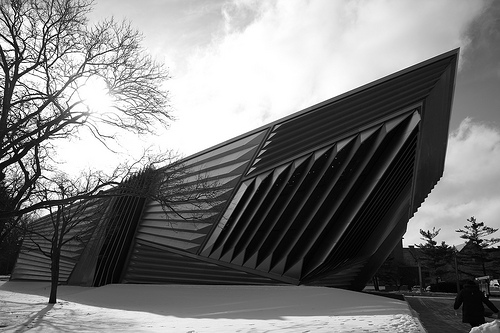 Eli and Edythe Broad Art Museum (photograph by ranti/Flickr user)