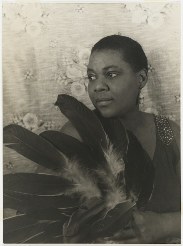 """Carl Van Vechten, """"Bessie Smith"""" (1936), Gelatin silver print (© Carl Van Vechten Trust)"""