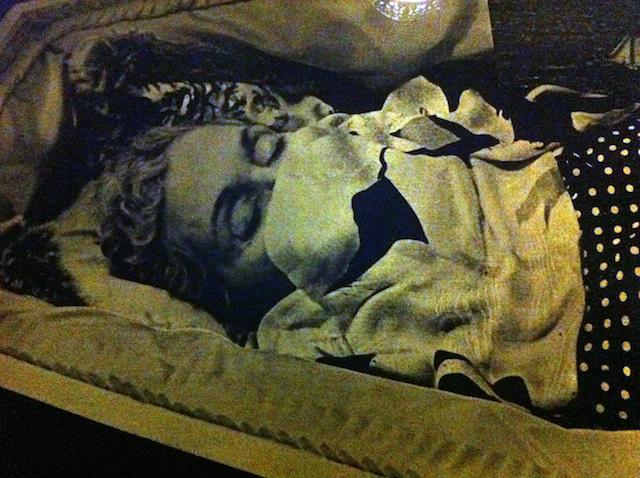 coffin-detail