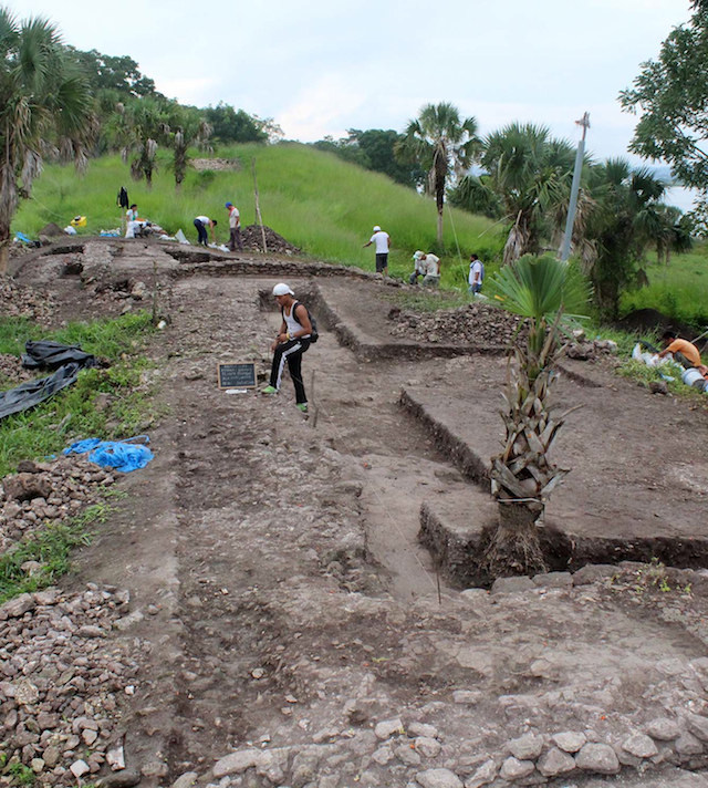 The excavation in progress (Photo by Adolfo Coloch)