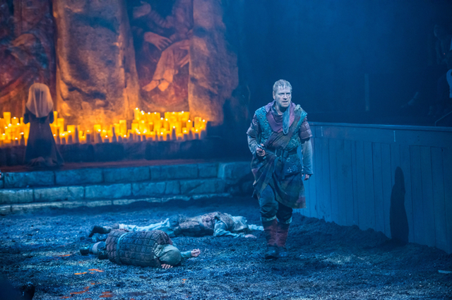 Kenneth Branagh murdering as Macbeth (photograph by Stephanie Berger, courtesy Park Avenue Armory)