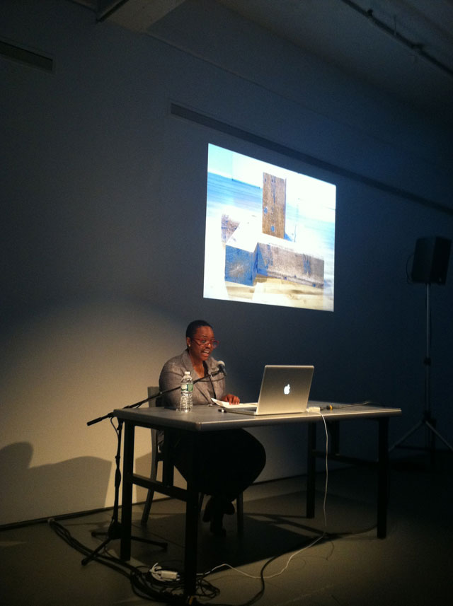 Leslie Hewitt delivering her lecture on Carl Andre (photo by the author for Hyperallergic)