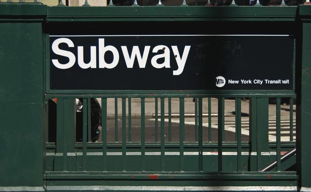 Pg. 193 (top left) – Helvetica © Gregory James Van Raalte/Shutterstock.com NY subwy,