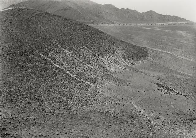 Edward Ranney, Nazca Pampa, 1985. © Ed Ranney