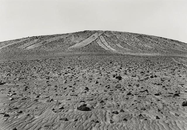 Edward Ranney, Cerro Unitas, Pampa Tamarugal, Chile, 2006. © Ed Ranney