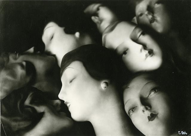 """""""Träumende"""" (""""The Dreamers"""") by Umbo, 1928–9 (Image courtesy of  Kicken Gallery, Berlin © Phyllis Umbehr / Galerie Kicken Berlin / DACS 2014)"""